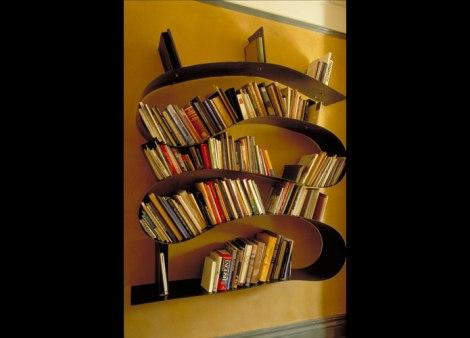Neobični Stalak Za Knjige