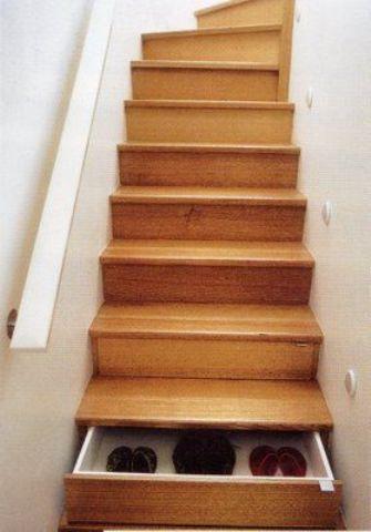Stepenice Kao Malo Skladište