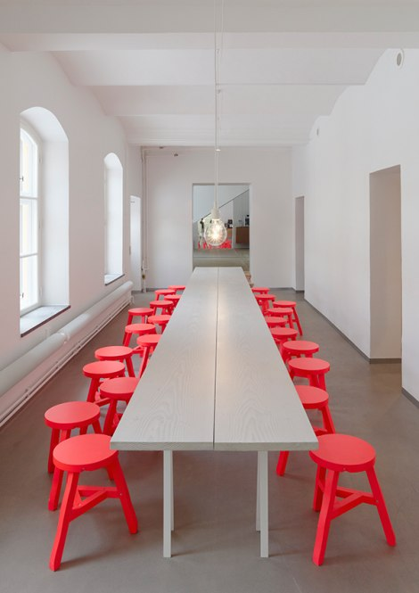 Crvene Stolice - Doza Dramatičnosti